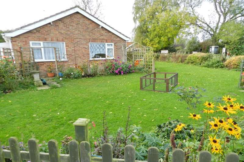 2 Bedrooms Detached Bungalow for sale in Willoughby Road, Cumberworth, Alford, LN13