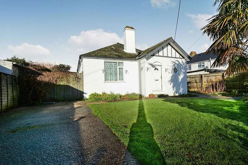 4 Bedrooms Detached Bungalow for sale in Greenbank Avenue, Kingsteignton, Newton Abbot, TQ12