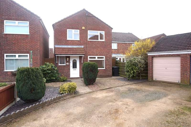 3 Bedrooms Detached House for sale in Leach Close, Bradwell, Great Yarmouth, NR31