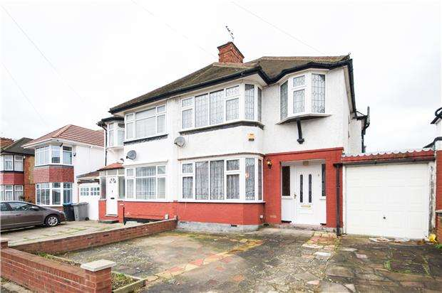 3 Bedrooms Semi Detached House for sale in Waltham Avenue, KINGSBURY, NW9 9SJ