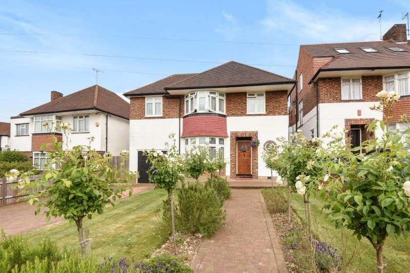 4 Bedrooms Detached House for sale in Buckingham Avenue, Whetstone