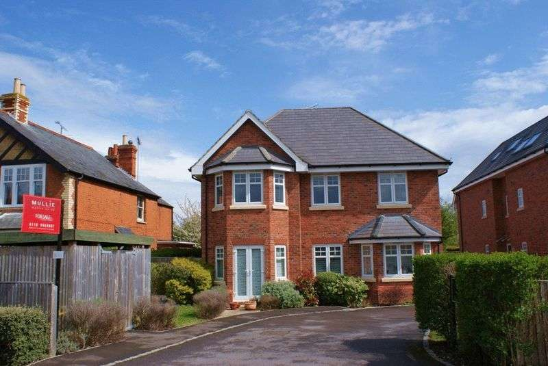 2 Bedrooms Property for sale in Western Avenue, Woodley