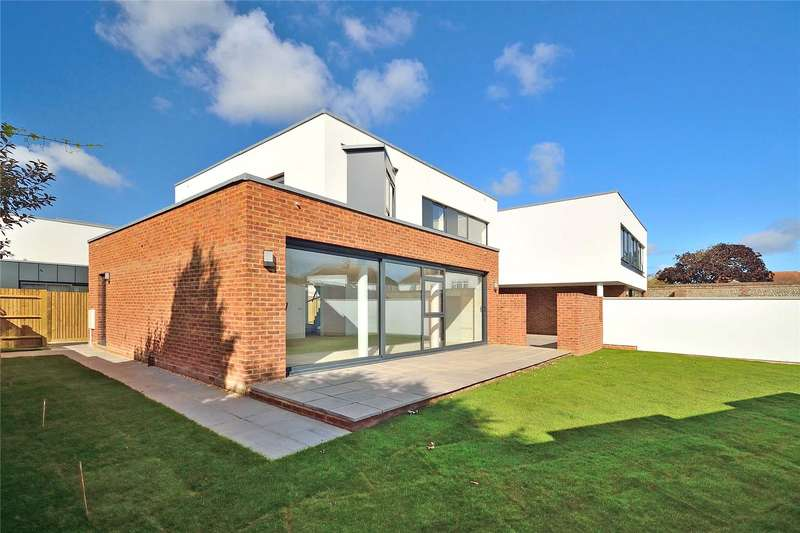 4 Bedrooms Detached House for sale in Sea Lane, Goring By Sea, Worthing, BN12