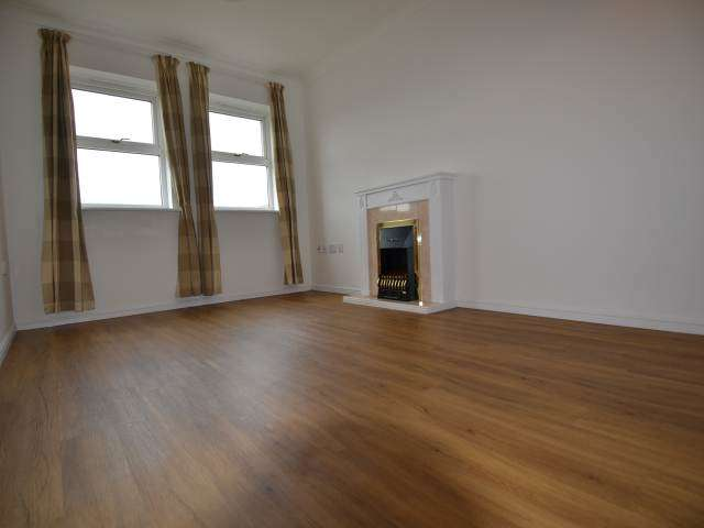 2 Bedrooms Flat for rent in Prince Albert Court, Staines Road West, Sunbury On Thames