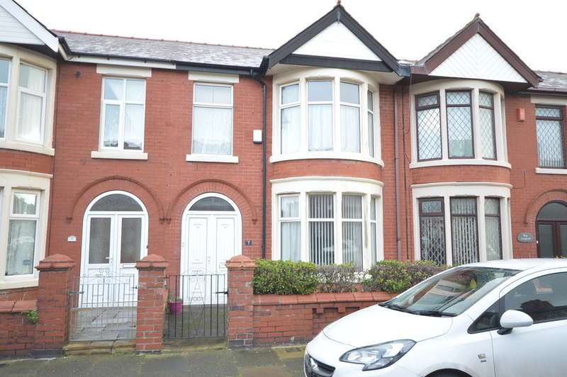 3 Bedrooms Terraced House for sale in Langfield Avenue, South Shore