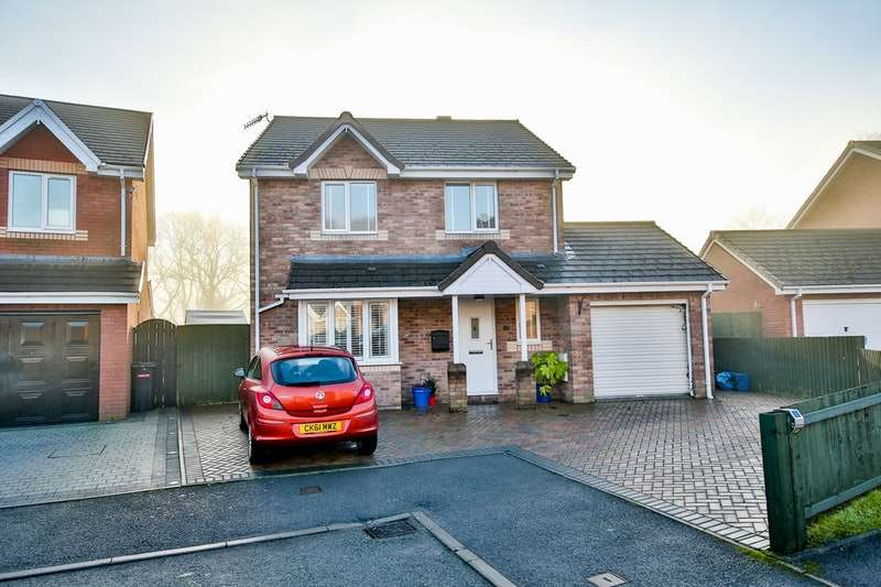 4 Bedrooms Detached House for sale in Forest Grove, Treharris, Glamorgan, CF46