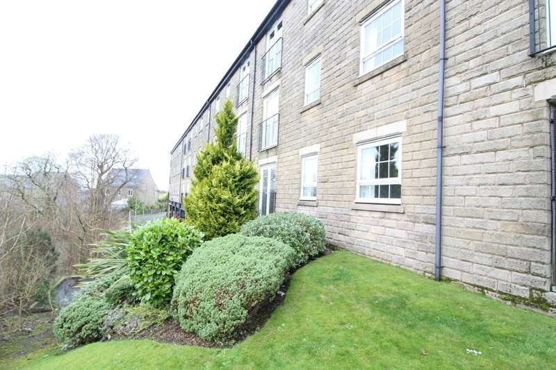 2 Bedrooms Flat for sale in Clough Gardens, Haslingden, Rossendale, BB4