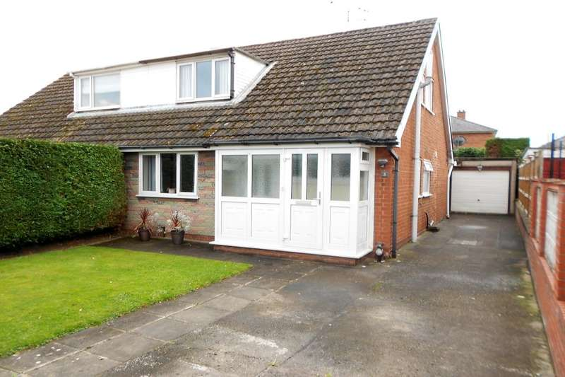 3 Bedrooms Semi Detached Bungalow for sale in Wyndham Drive, Cefn-Y-Bedd, Wrexham, LL12