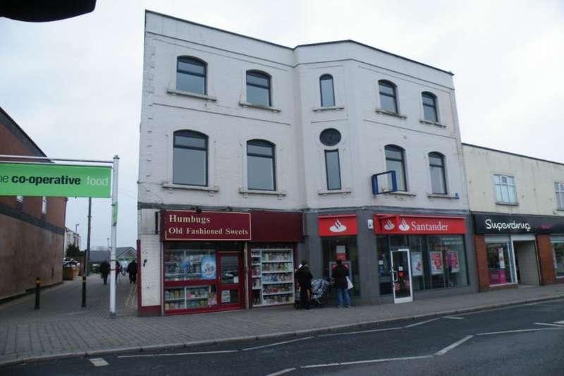 2 Bedrooms Flat for rent in Regent Street, Kingswood, Bristol, BS15