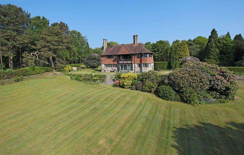 5 Bedrooms Detached House for sale in Crowborough Common, Crowborough, East Sussex