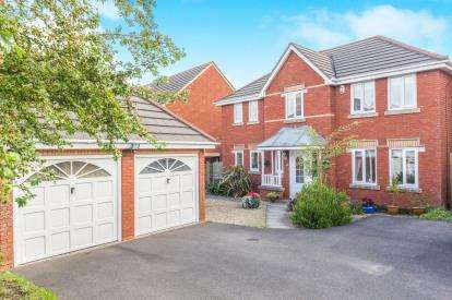 4 Bedrooms Detached House for sale in Weston Super Mare, Somerset, .