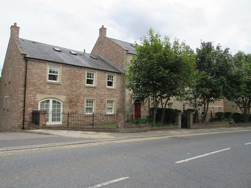 2 Bedrooms Property for sale in Bullers Green, Morpeth, Northumberland, NE61 1BF