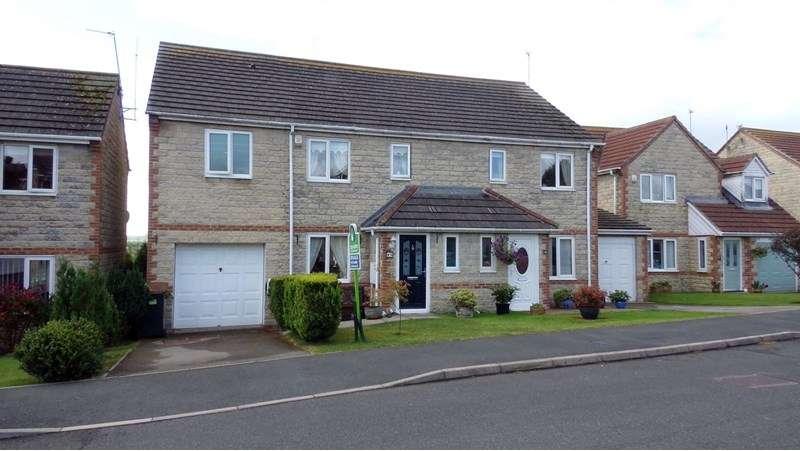 4 Bedrooms Property for sale in Stuart Court, Consett, Consett, Durham, DH8 5GA