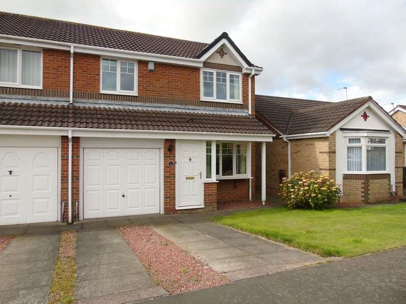 3 Bedrooms Property for sale in Greenfield Drive, Choppington, Northumberland, NE62 5YX