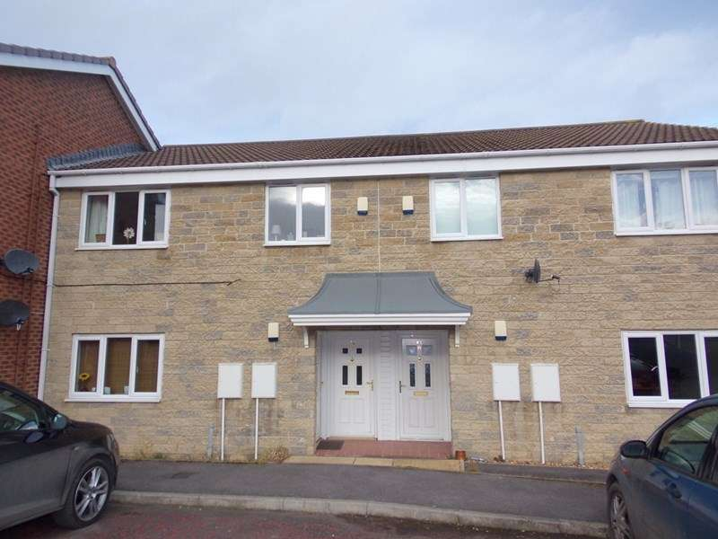 2 Bedrooms Apartment Flat for sale in Clive Gardens, Alnwick, Northumberland, NE66 1NH