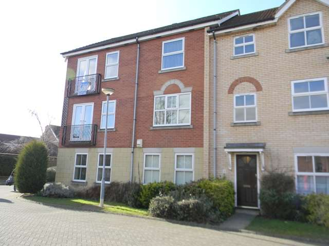 2 Bedrooms Apartment Flat for rent in Ha'Penny Bridge Way, Victoria Dock, Hull, East Yorkshire, HU9 1HD