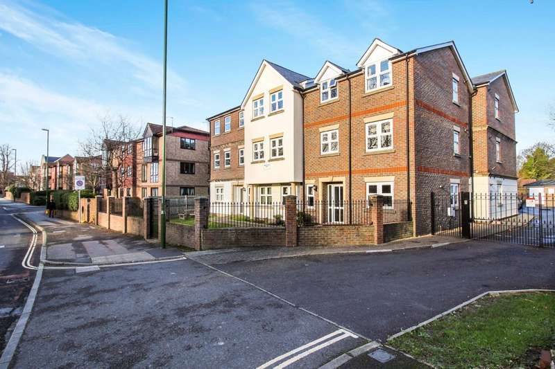 2 Bedrooms Flat for sale in Bridgestone Place , Brighton Road