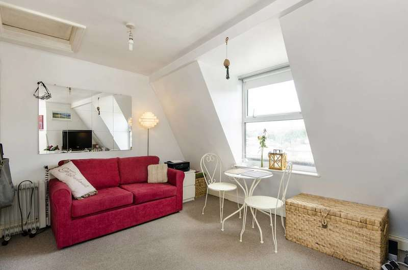 1 Bedroom Flat for sale in Norwood Road, Tulse Hill, SE27