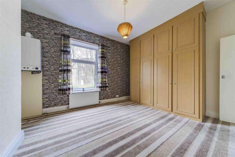 2 Bedrooms End Of Terrace House for rent in David Street, Stacksteads, Bacup