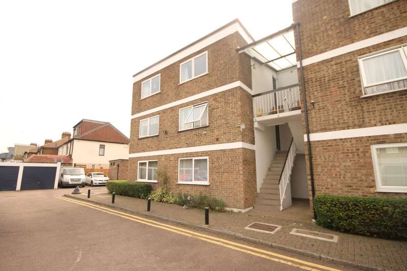 2 Bedrooms Flat for sale in The Avenue, Chingford, London, E4