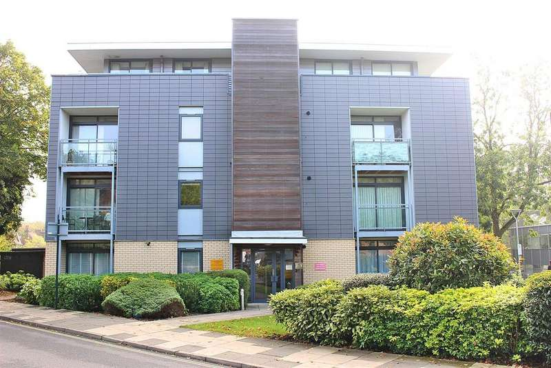 2 Bedrooms Flat for sale in St. Peters Road, St. Albans