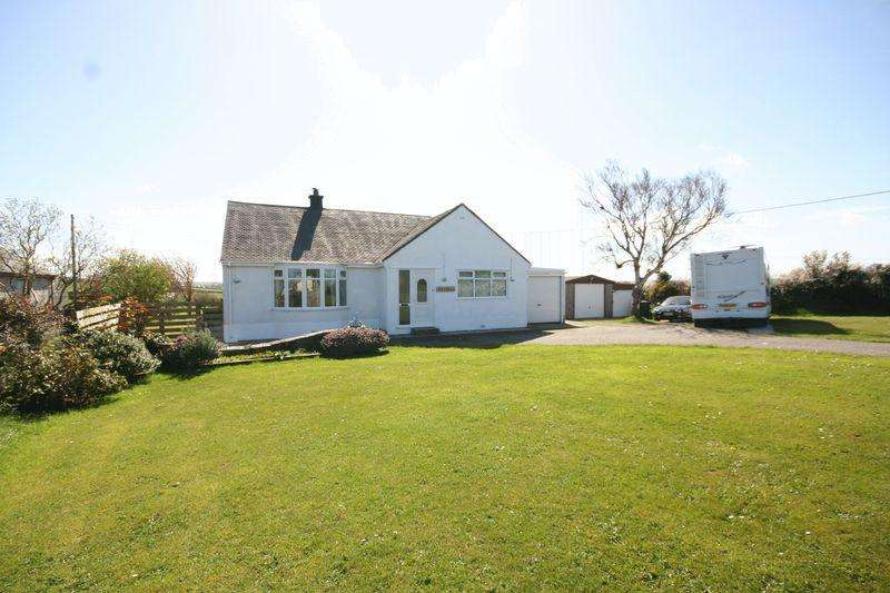 4 Bedrooms Detached Bungalow for sale in Cemaes Bay Anglesey