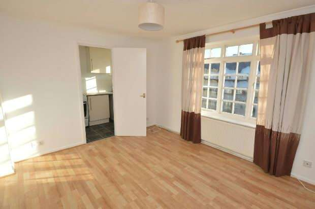 1 Bedroom Flat for rent in Sopwith Avenue , Chessington