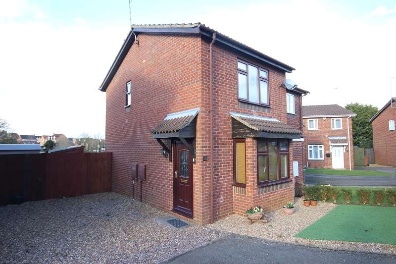 2 Bedrooms Semi Detached House for rent in Linnet Close, Wellingborough, Northamptonshire. NN8 4UJ