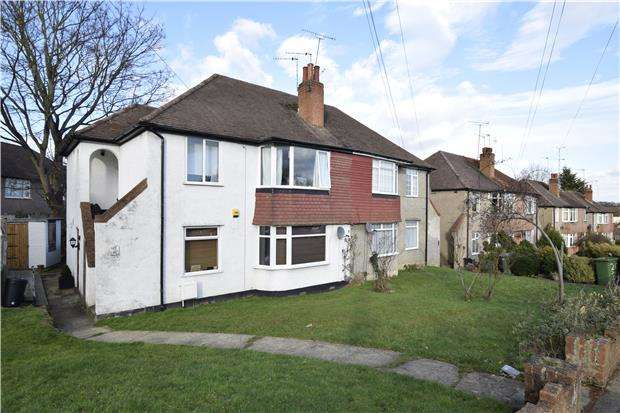 2 Bedrooms Maisonette Flat for rent in Cray Valley Road, Orpington, BR5