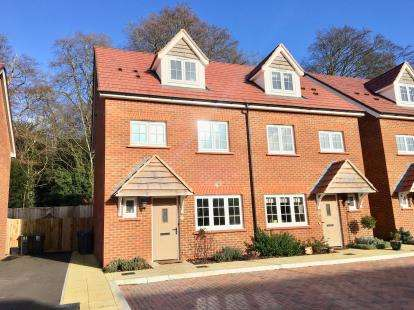 4 Bedrooms Semi Detached House for sale in Wilton, Salisbury, Wiltshire
