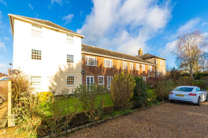 1 Bedroom Studio Flat for sale in Royal Court, Tring