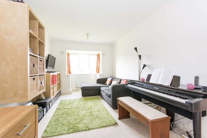 1 Bedroom Flat for sale in Pinemartin Close, Gladstone Park, NW2