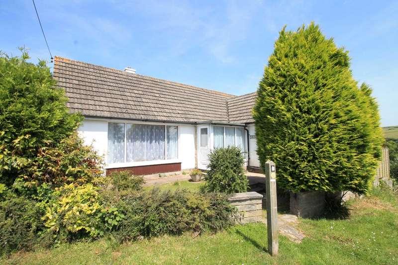 3 Bedrooms Detached Bungalow for sale in Kellow, Looe