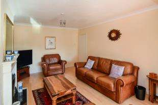 3 Bedrooms Bungalow for sale in Meadowbrook Road, Kennington, Ashford, Kent