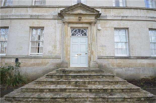 1 Bedroom Flat for rent in Wallbridge, STROUD, Gloucestershire, GL5 3JS