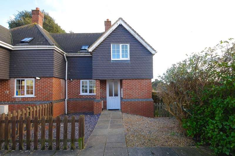 3 Bedrooms Semi Detached House for sale in Albert Road, Parkstone, Poole