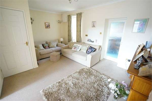 2 Bedrooms Semi Detached House for sale in Park Street, Cwmcarn, Newport, NP11