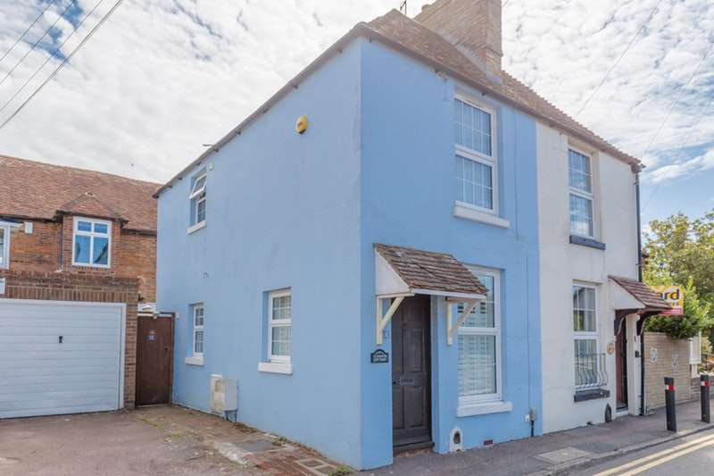 2 Bedrooms Semi Detached House for sale in Mount Street, Hythe, Kent, CT21