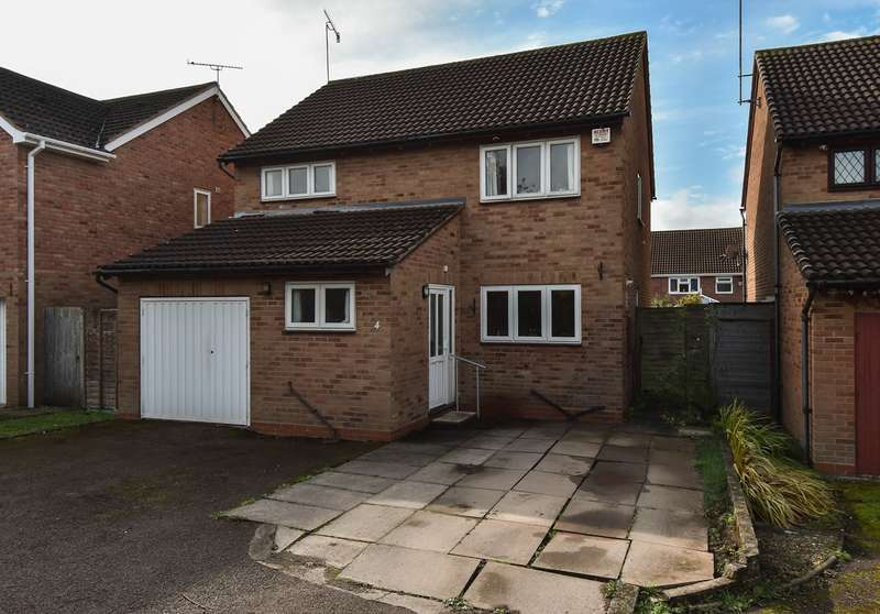 4 Bedrooms Detached House for sale in The Furrows, Stoke Heath, Bromsgrove, B60