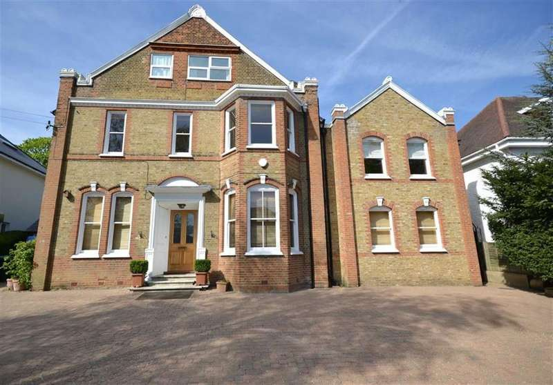 8 Bedrooms Detached House for sale in Oakleigh Park South, Whetstone, London