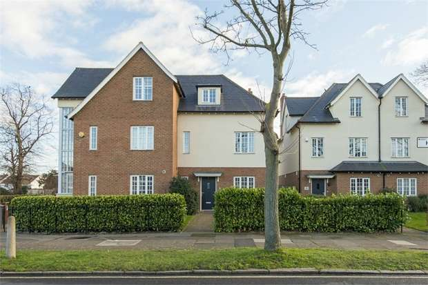4 Bedrooms Town House for sale in County Gardens, Isleworth, Middlesex