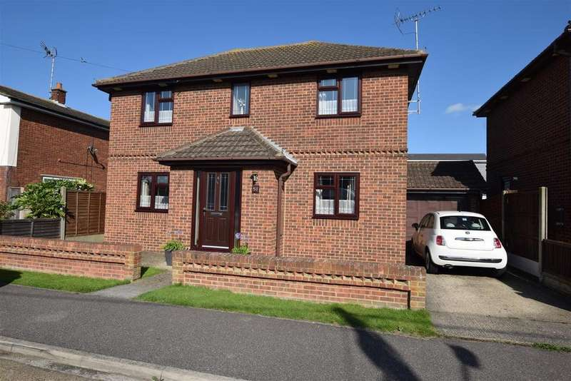 4 Bedrooms Detached House for sale in Bardenville Road, Canvey Island