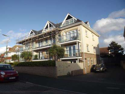 2 Bedrooms Flat for sale in 18 Warren Edge Road, Bournemouth, Dorset
