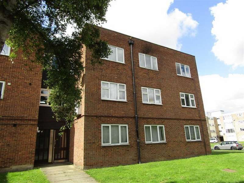 2 Bedrooms Flat for sale in Michael Muir House, Hitchin, SG5
