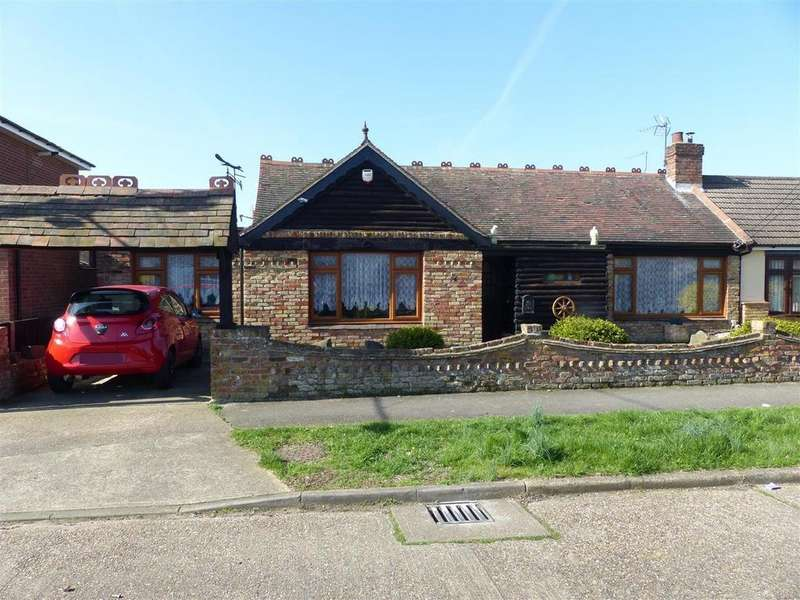 3 Bedrooms Semi Detached Bungalow for sale in Clarendon Road, Canvey Island
