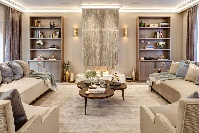 3 Bedrooms Mews House for sale in Clabon Mews, London, SW1X