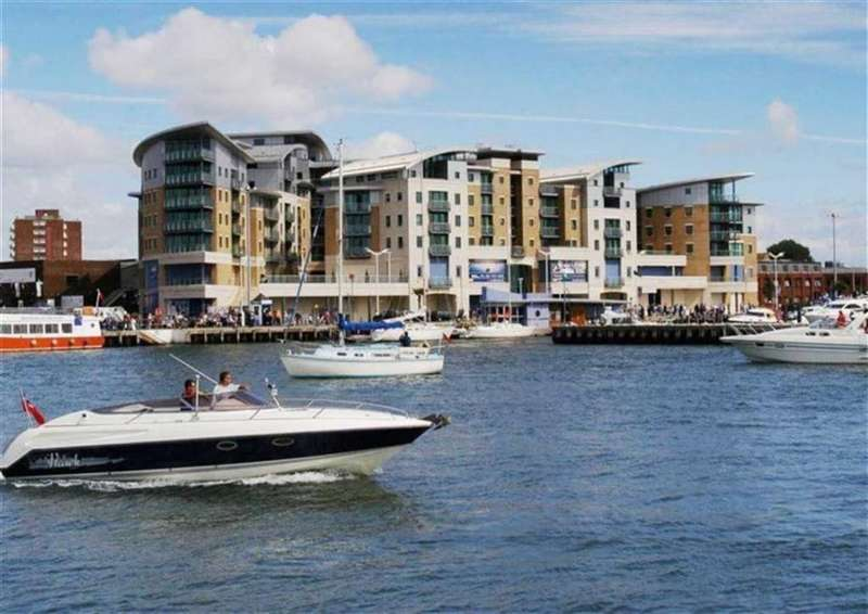 2 Bedrooms Flat for rent in The Quay, Poole