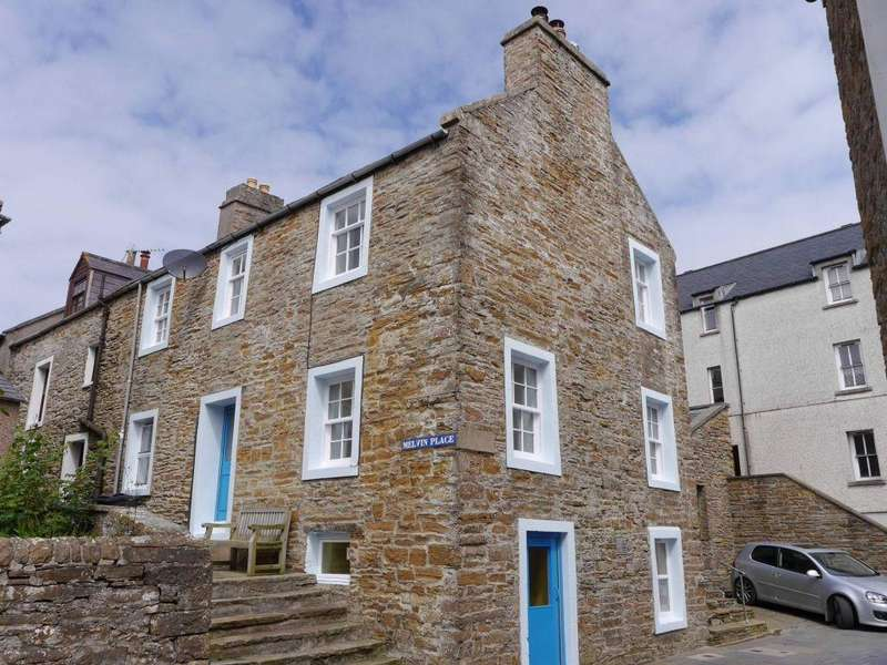 3 Bedrooms End Of Terrace House for sale in 1 Melvin Place, Stromness