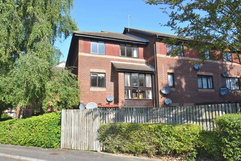 1 Bedroom Property for sale in Pebble Drive, Didcot