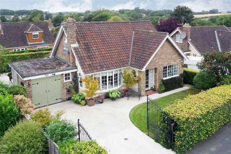 4 Bedrooms Detached House for sale in Springdale Road, Market Weighton, York
